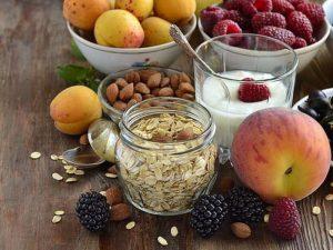Орехи, семечки и фрукты помогут победить депрессию