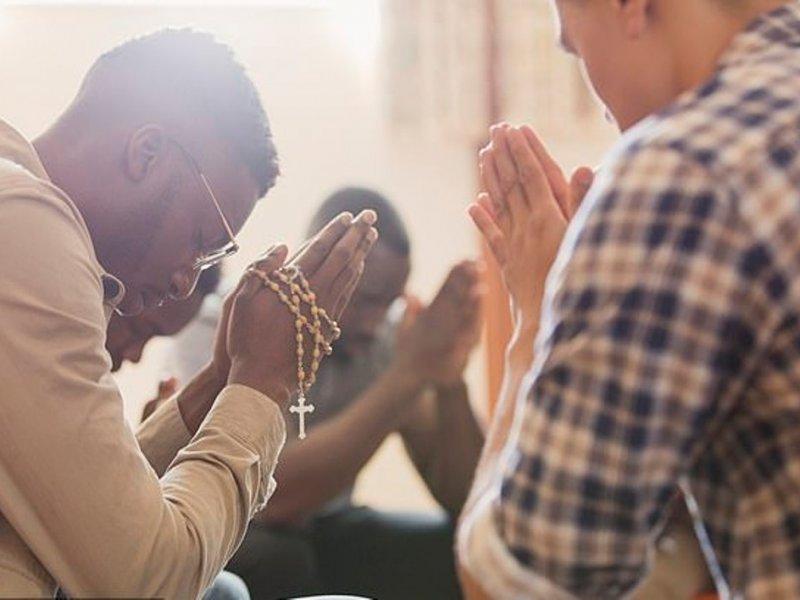 Религиозные люди оказались более счастливыми