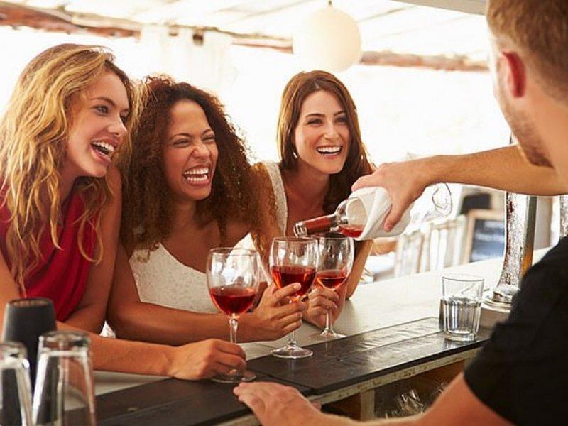 Бокал вина в день снижает риск депрессии