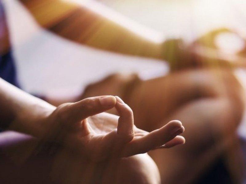 Когнитивные искажения и стресс: выявлены негативные эффекты медитации