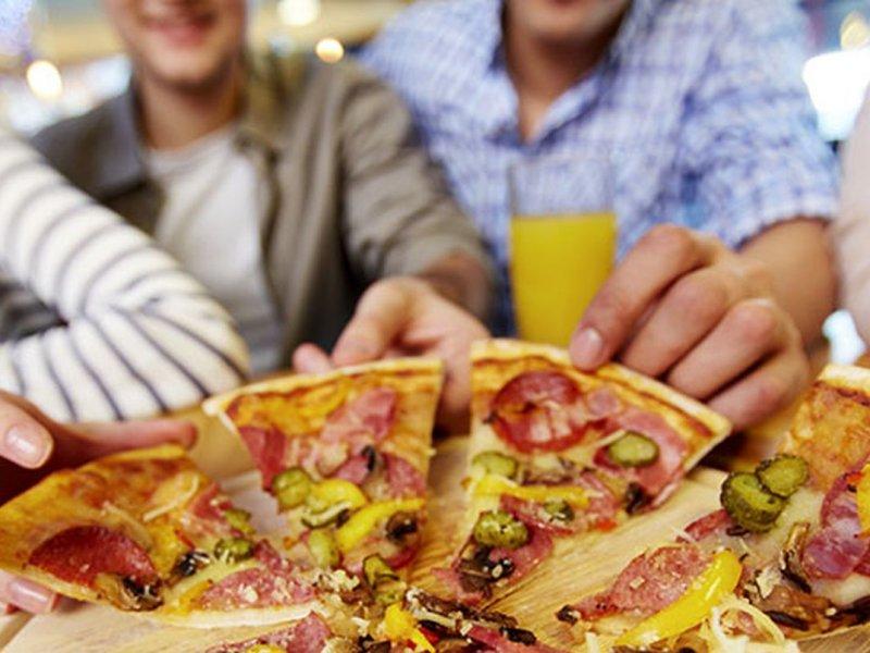Экзаменационный стресс побуждает учащихся злоупотреблять вредной едой
