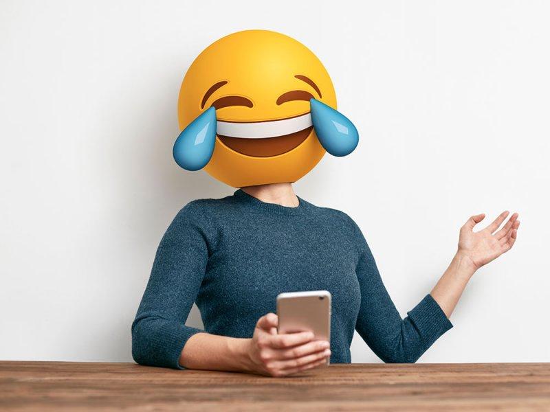 Закадровый смех делает шутки более смешными