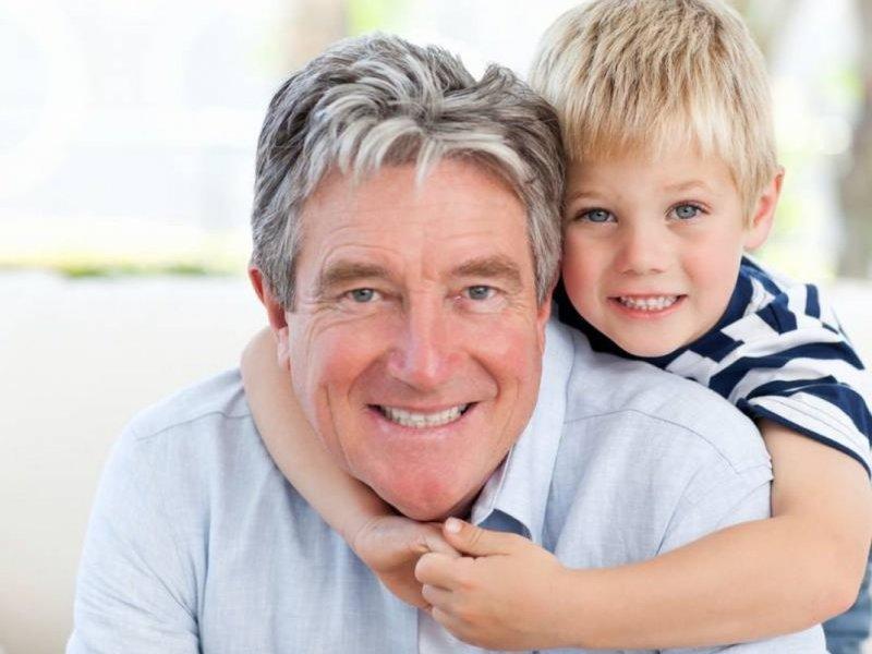 Дети зрелых родителей реже демонстрируют плохое поведение и агрессию