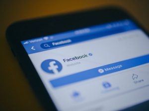 Facebook доведет до стресса и зависимости