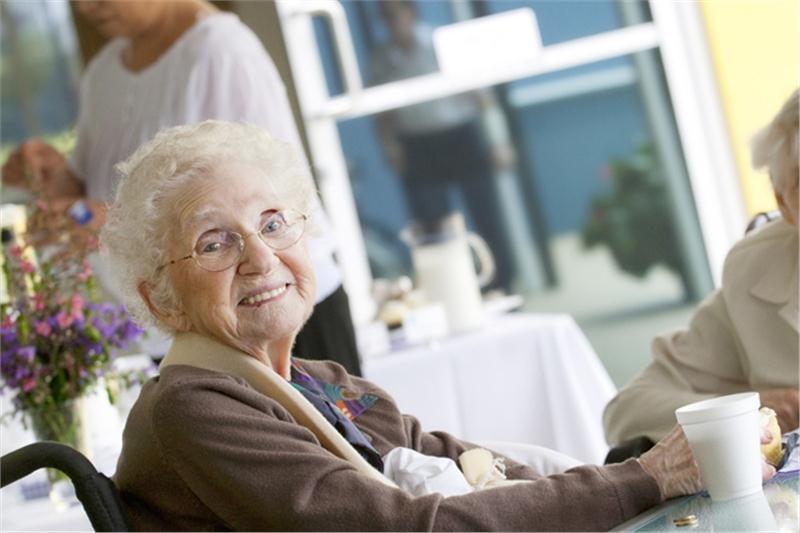 Пансионат для пожилых людей в Краснодаре: услуги специализированной помощи «Родительский дом»