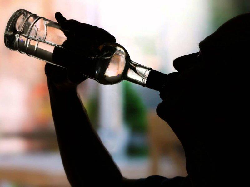 Роспотребнадзор рассказал почему частое употребление алкоголя приводит к депрессии