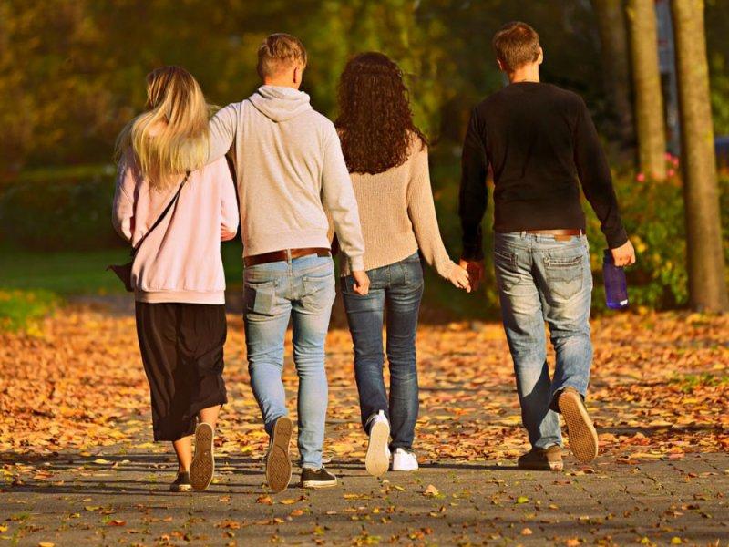 Пять положительных эффектов для здоровья от обычной прогулки