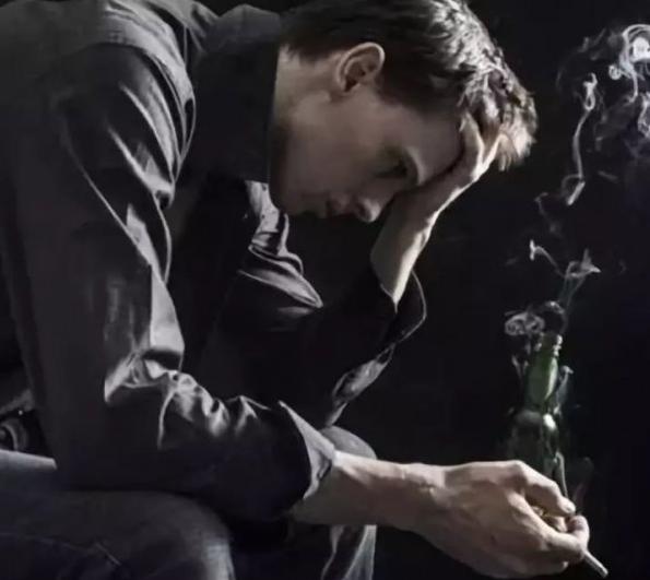 Исследование: курение вызывает депрессию
