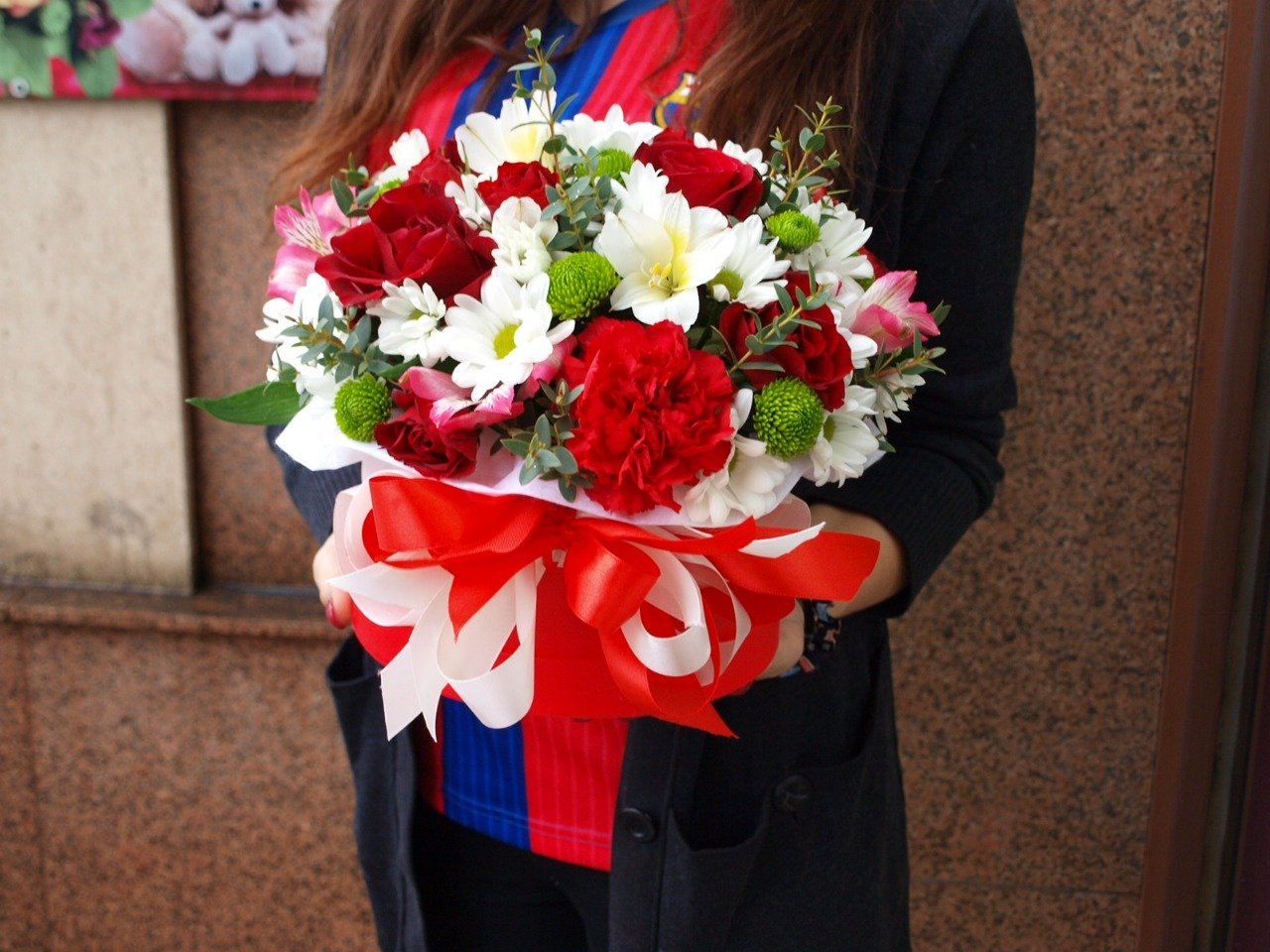«Rosalie Flowers»: цветы и цветочные композиции от профессионалов!