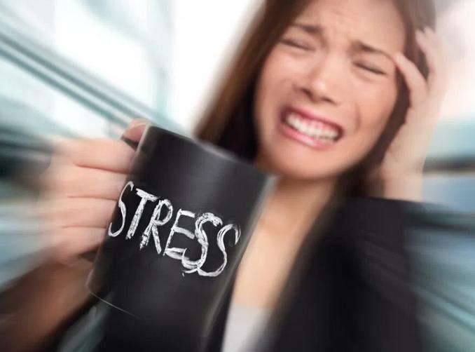 Психологи рассказали, как справляться со стрессом в условиях карантина