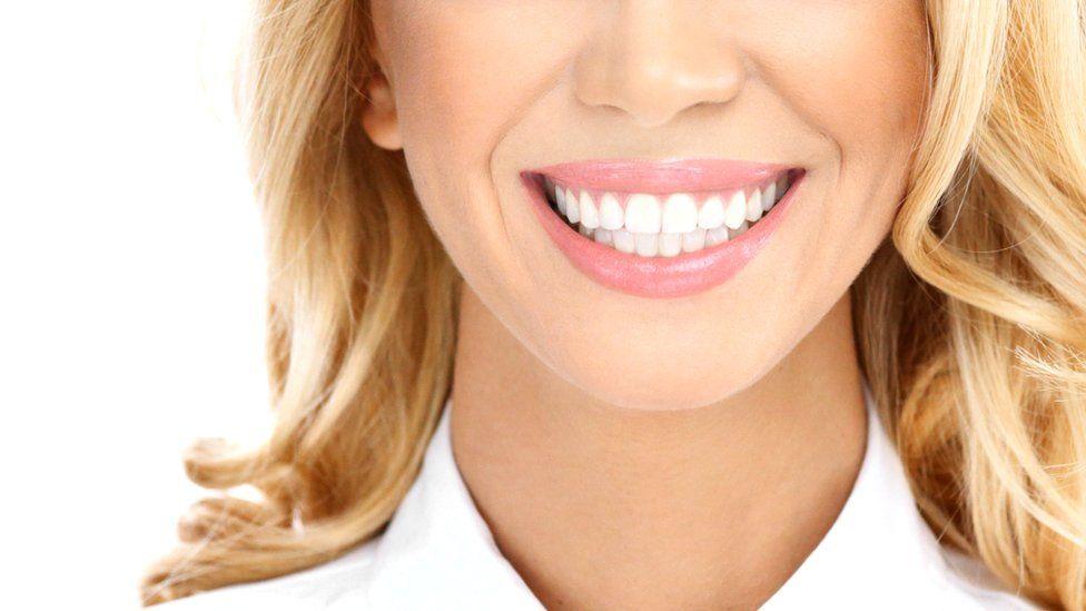 Как вернуть белизну зубов?
