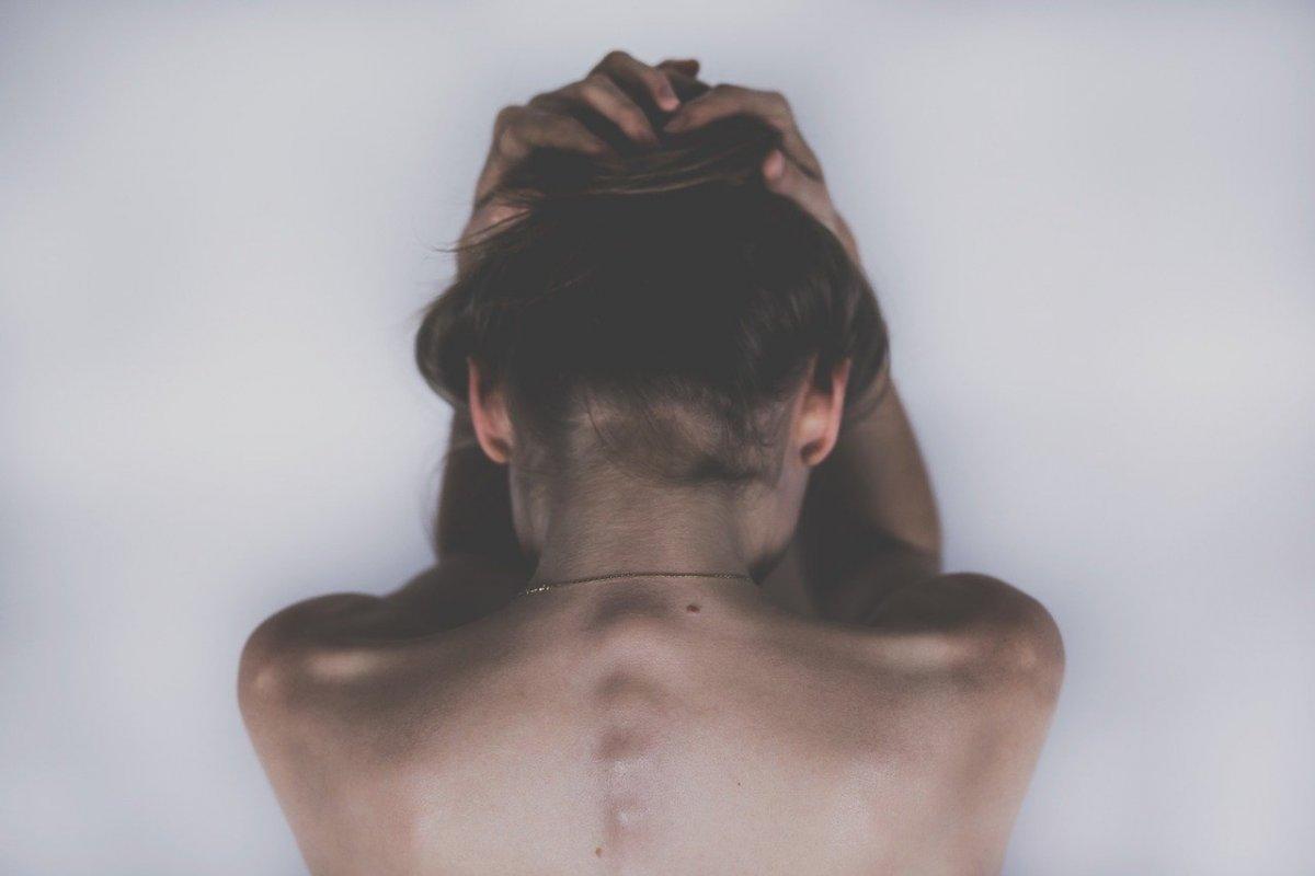 От депрессии до психических болезней: 7 признаков расстройства психики