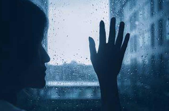 Россиянам рассказали, как отличить осеннюю хандру от депрессии