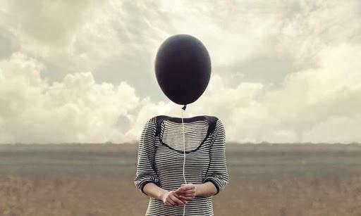 Ученые выяснили, в каком возрасте люди максимально одиноки