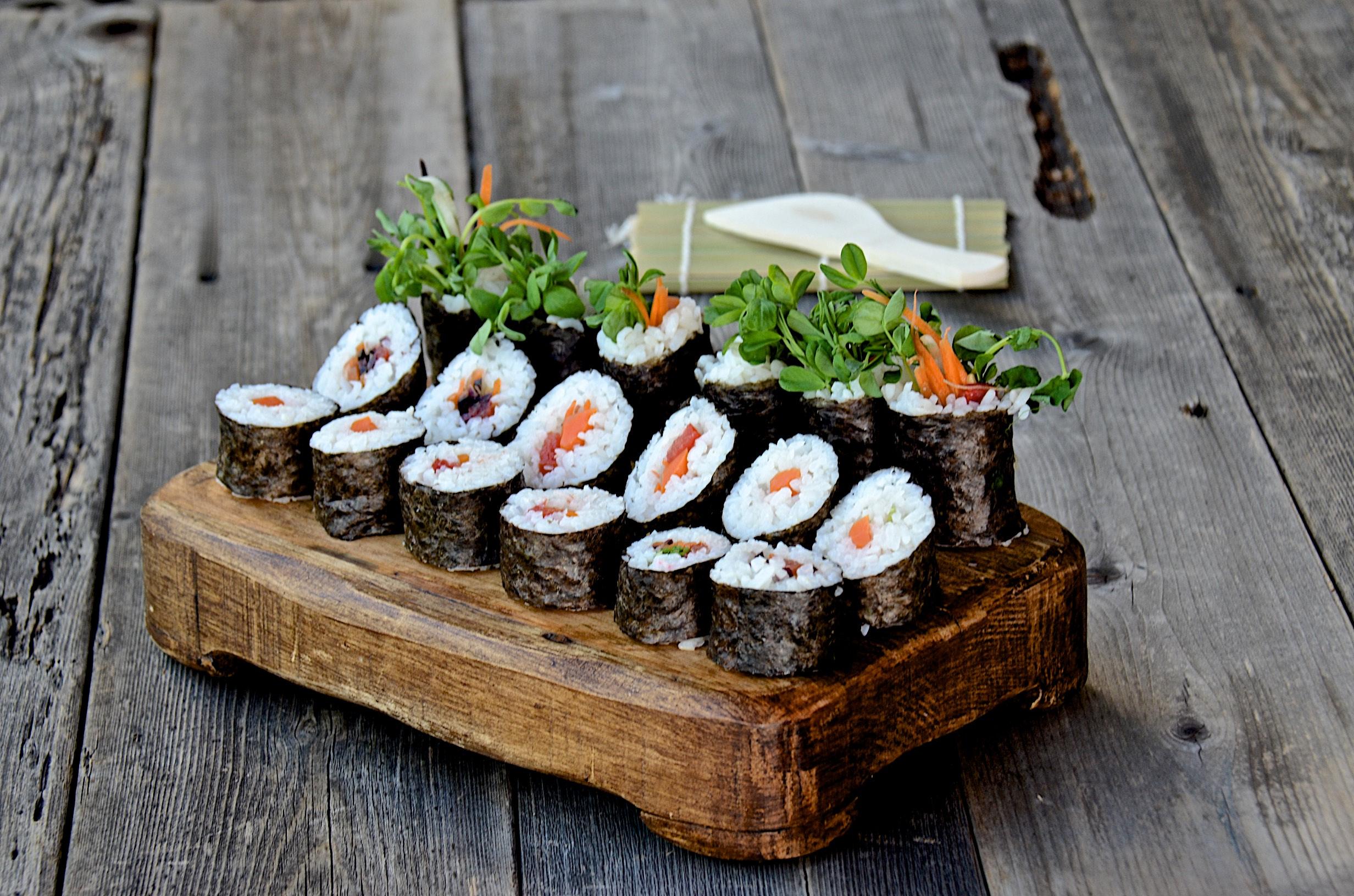 «Смаки-Маки»: своевременная доставка суши