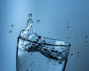 Питьевая вода с литием может снизить риск суицида