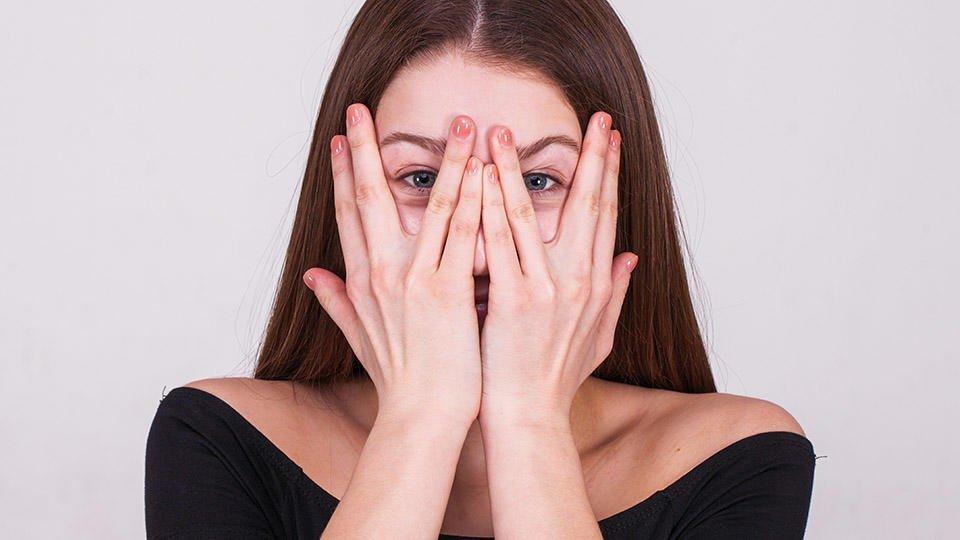 Психологи: в депрессии женщин больше интересуют сайты для знакомств
