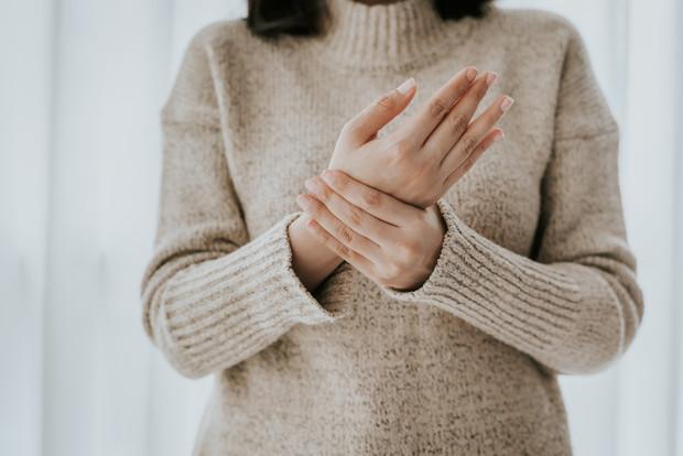 Период обострения: все, что нужно знать об артрите и артрозе в холодный сезон