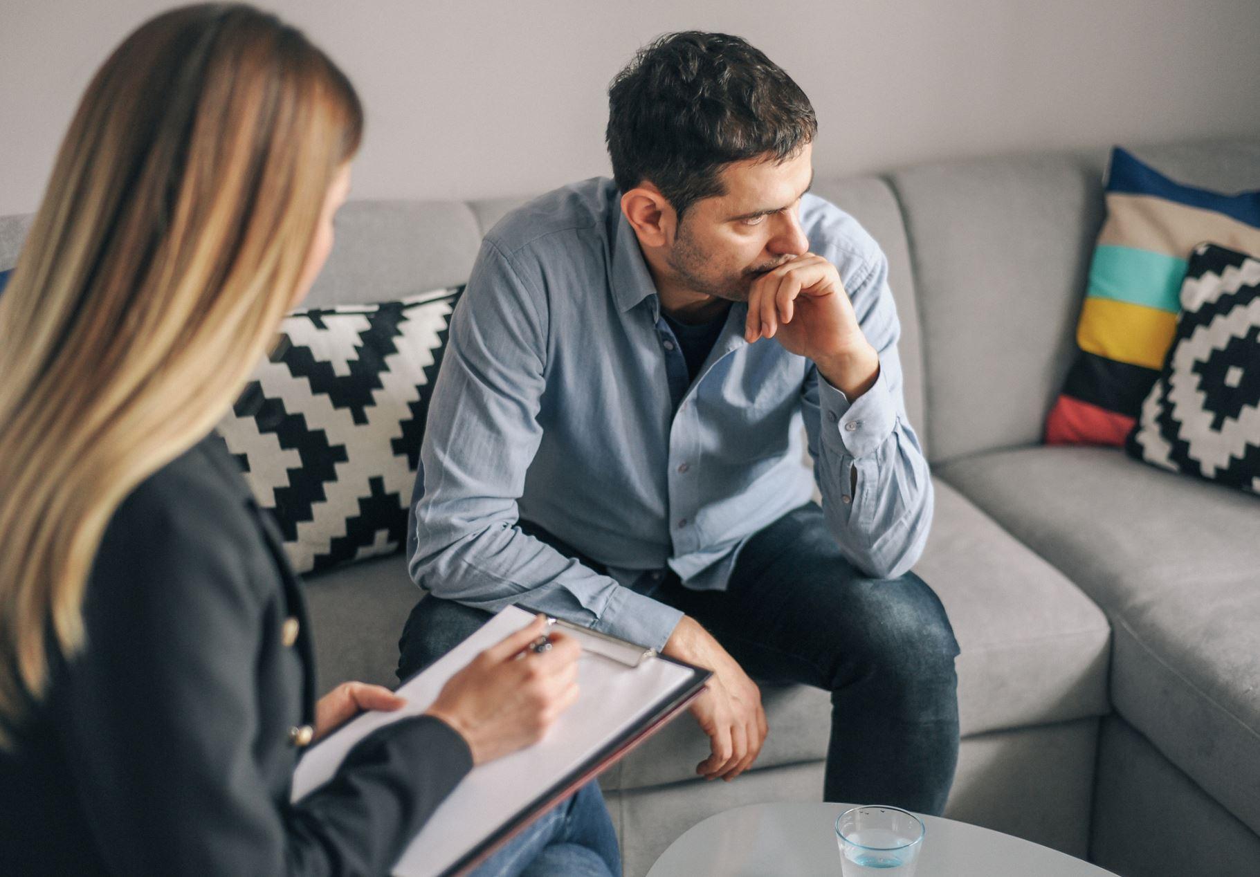 Как уговорить человека пойти к психотерапевту