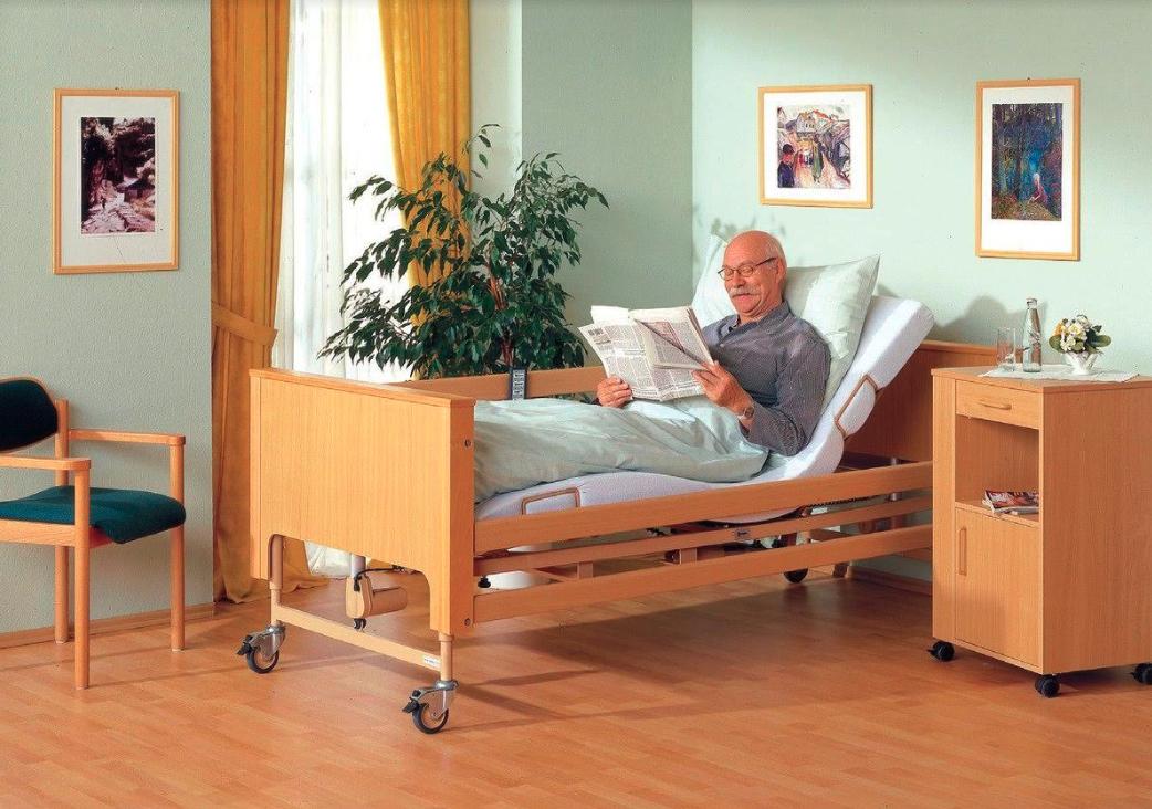 Как обустроить комнату лежачего больного?