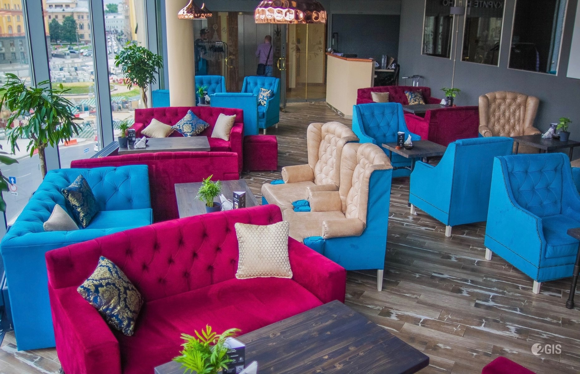 Выбор мягкой мебели для ресторанов: несколько рекомендаций