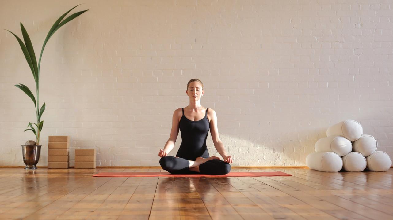 Расслабьтесь и дышите: в чем польза медитации?
