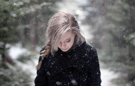 Сезонные аффективные расстройства: почему зимой грустно?